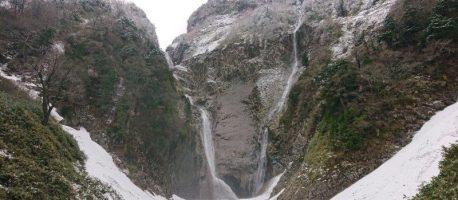 落差日本一!富山の四季を彩る【称名滝】と【ハンノキ滝】